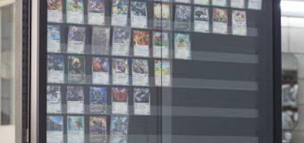 トレカ用ショーケースに入るカードの種類について